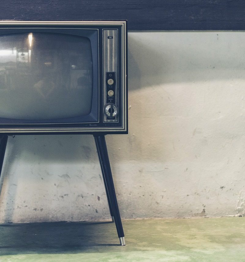 Wspólny spokój przed tv, lub niedzielne serialowe popołudnie, umila nam czas wolny ,a także pozwala się zrelaksować.